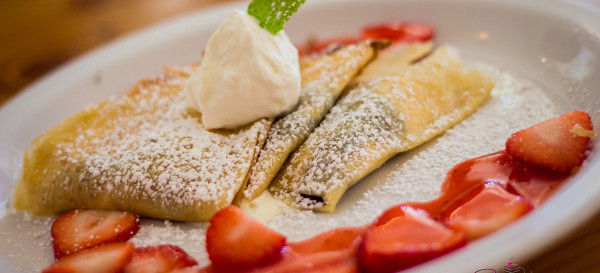 Strawberry & Chocolate crepe at Cream Pot Cafe in Waikiki. © 2013 Sugar + Shake