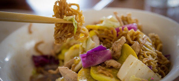 Cake Noodle Pork at Full Moon Café in Hilo — Market vegetables, lean pork, egg noodles, oyster-garlic sauce. © 2014 Sugar + Shake